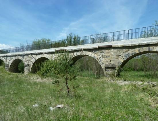 Aqueduc de Lagrand